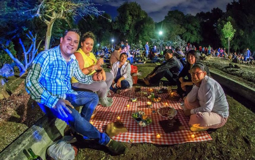 Noche de picnic y mariachi en chapultepec red capital for Jardin botanico nocturno 2016